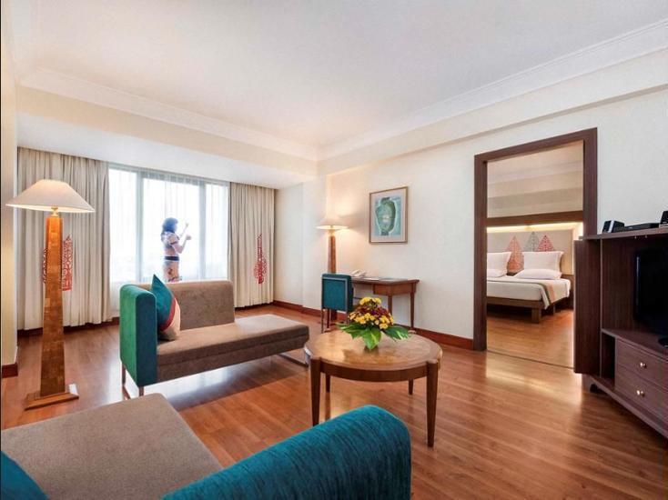 Novotel Solo - Hotel Front