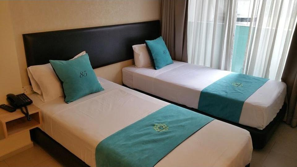 Review Hotel 85 Beach Garden Hotel (Singapore)