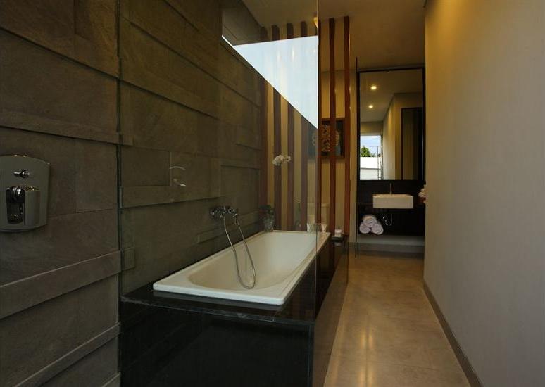 Samaja Villas Kunti - Deep Soaking Bathtub
