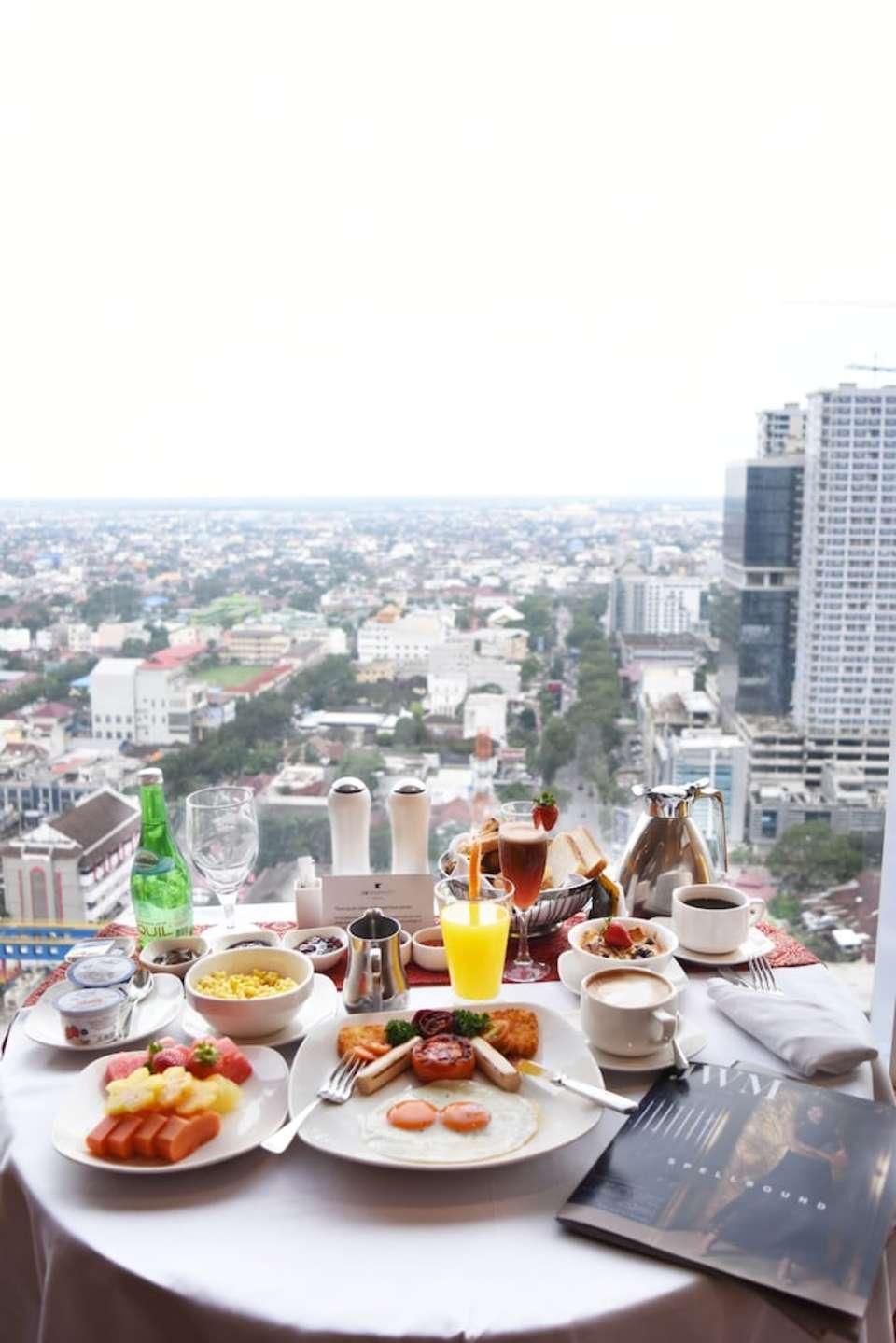 JW Marriott Medan - Kamar Deluks, akses business lounge Regular Plan