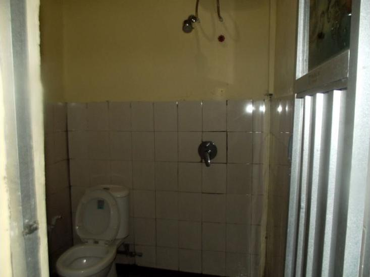 FX 72 Hotel Ruteng Ruteng - Bathroom