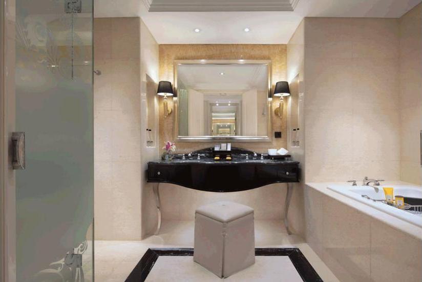 The Trans Luxury Hotel Bandung - Bathroom