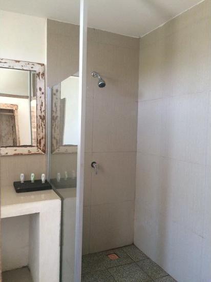 Gili Amor Boutique Resort Lombok - Bathroom Shower