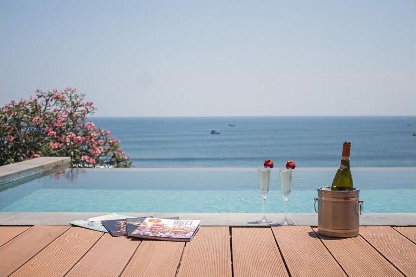 Anantara Uluwatu Bali Resort - Outdoor Dining
