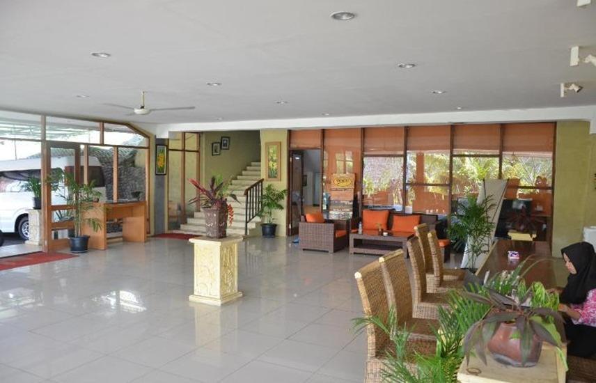 Alun Alun Gumati Resort Bogor - Lobby
