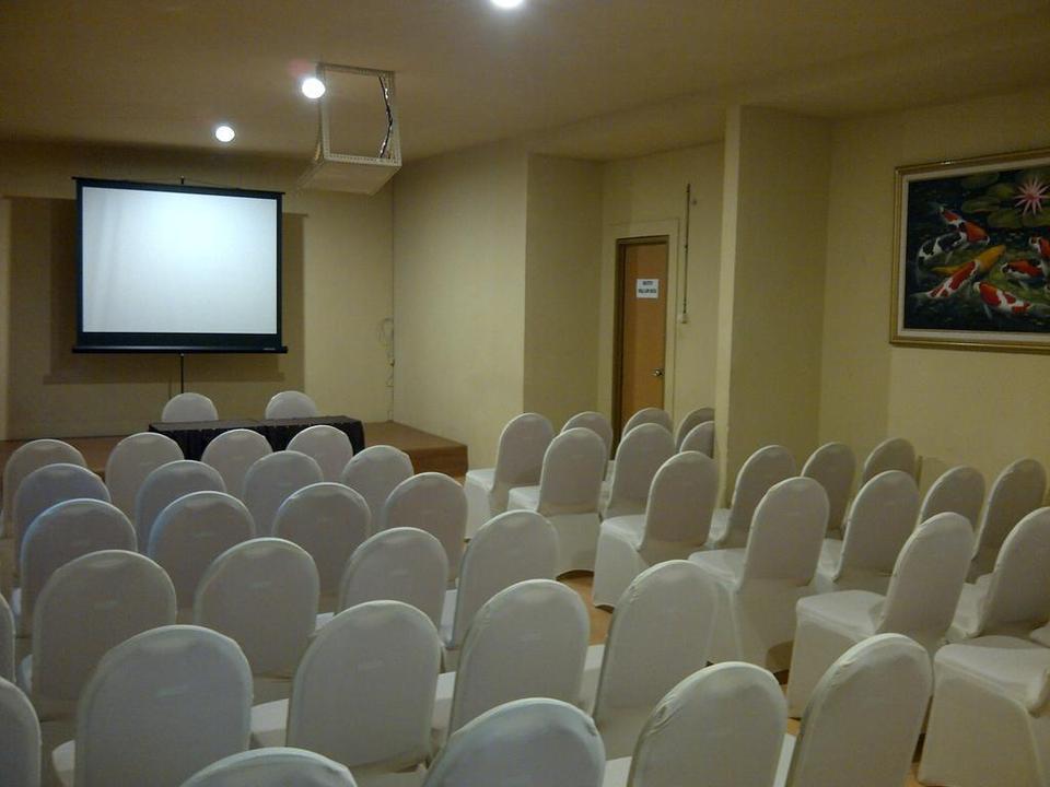 Cozy Hotel Samarinda - Meeting Room