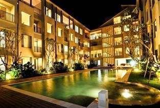 Umalas Hotel & Residence Bali - Tampilan Luar Hotel