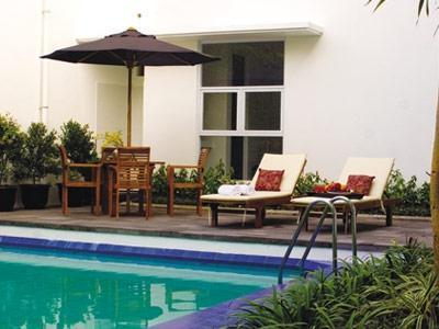 V Residence Jakarta - Kolam Renang