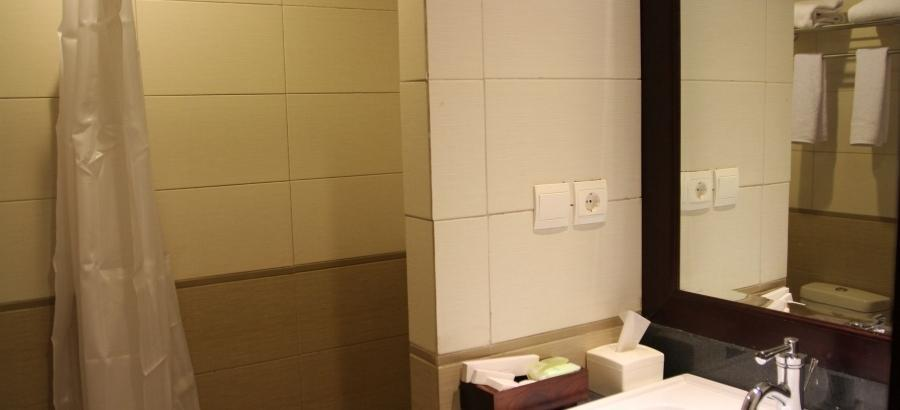Varna Culture Hotel  Surabaya - Superior Room Breakfast Regular Plan