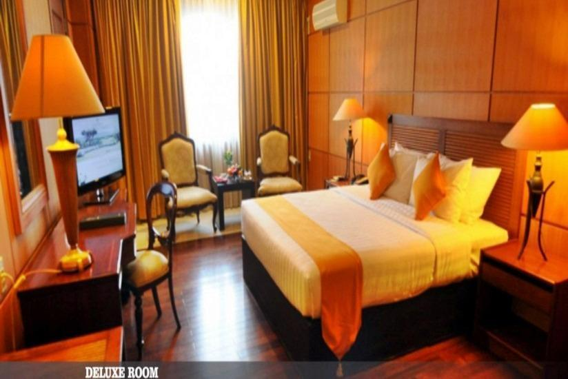 Hotel Bumi Senyiur Samarinda - Deluxe Double Room Regular Plan