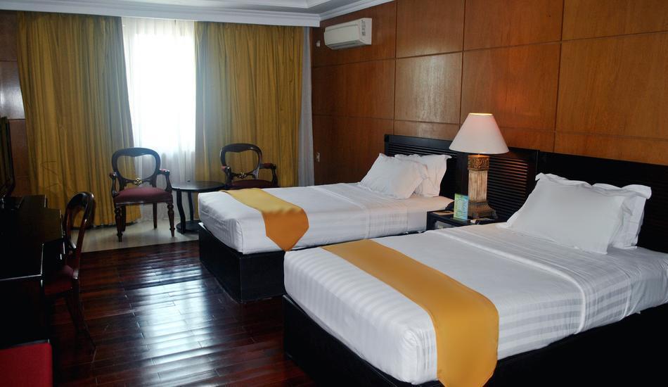 Hotel Bumi Senyiur Samarinda - Deluxe Twin Room Only Regular Plan