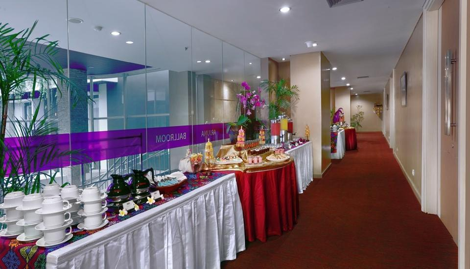 Quest San Hotel Denpasar - Pre Function - Arjuna Ballroom