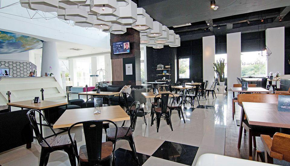 ZenRooms Sunset Road 5 Seminyak - Restoran