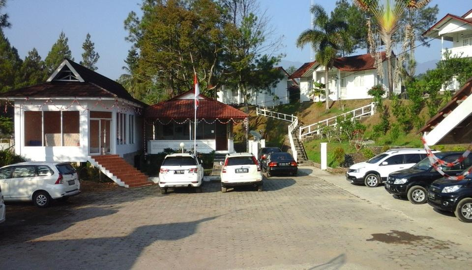 Marbella Twin Waterfall Resort Ciater - Area parkir