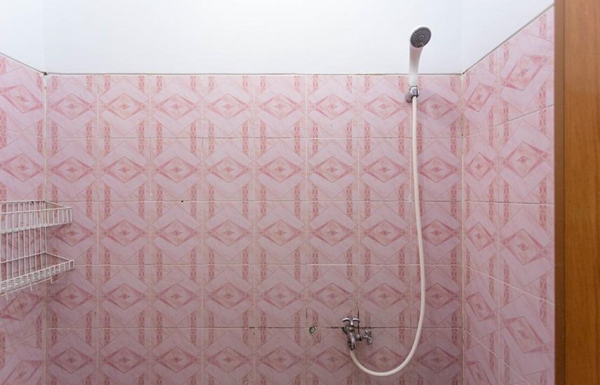 RedDoorz @Karet Genteng Ijo Jakarta - Kamar mandi
