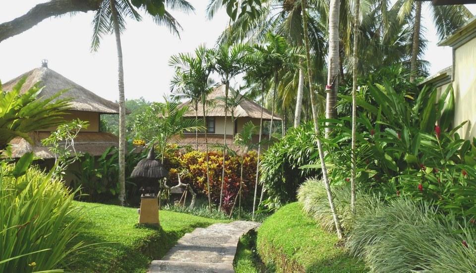 Villa Semana Resort & Spa Bali - Footpath Towards Central Courtyard