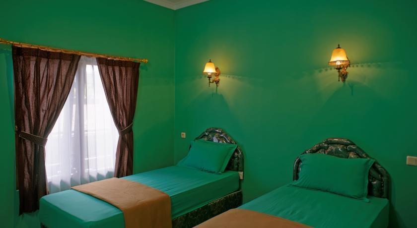 Hotel Rengganis Yogyakarta - (12/June/2014)