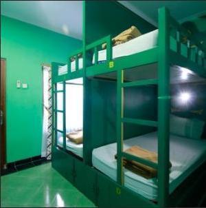 Hotel Rengganis Yogyakarta - Asrama Khusus Laki- Laki 1 pax per 1 bed (Shared Bathroom) Regular Plan