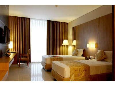 Verona Palace Bandung - Deluxe Room with Breakfast Regular Plan