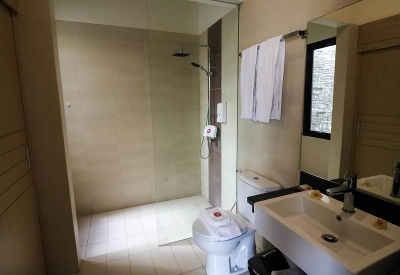 NIDA Rooms Kuta Seminyak Beach Bali - Kamar mandi