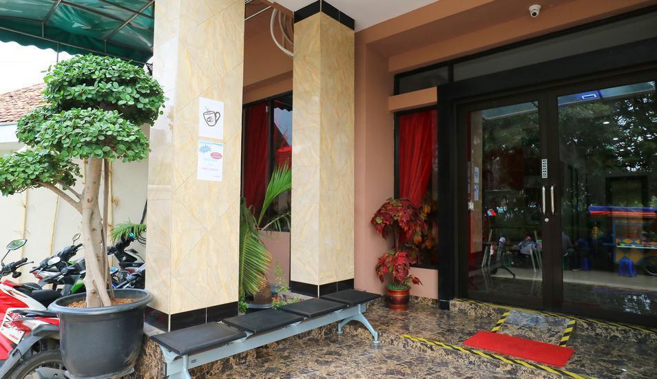 Hotel Celvasha Jakarta - Entrance