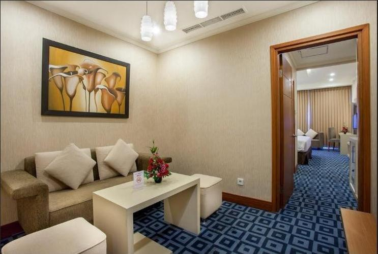 Surabaya Suites Hotel Plaza Boulevard - Business Suite King/Twin Room Only Regular Plan