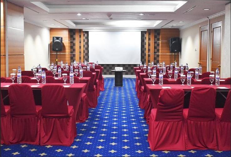 Surabaya Suites Hotel Plaza Boulevard - Function Room