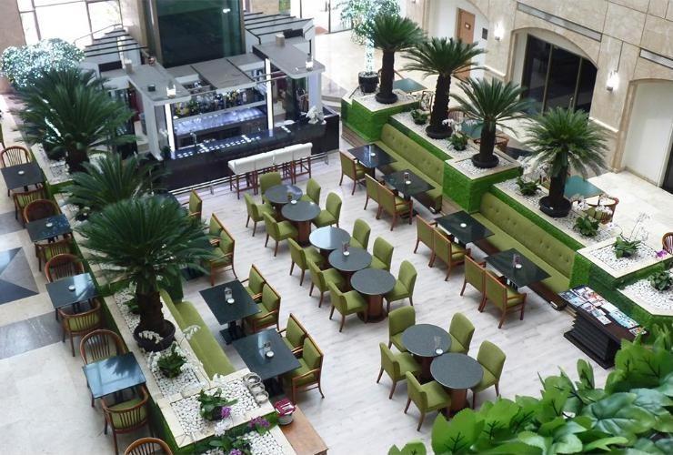 Surabaya Suites Hotel Plaza Boulevard - Lounge