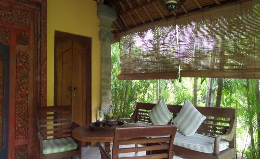 Taman Selini Beach Bungalow Bali - Kamar tamu