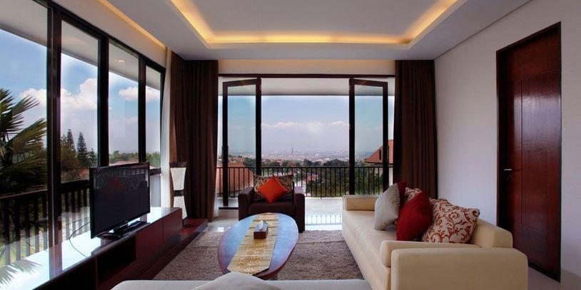 4 BR 1 Villa Dago City View Pool 1 Bandung - Permai Villa Dago With Pool