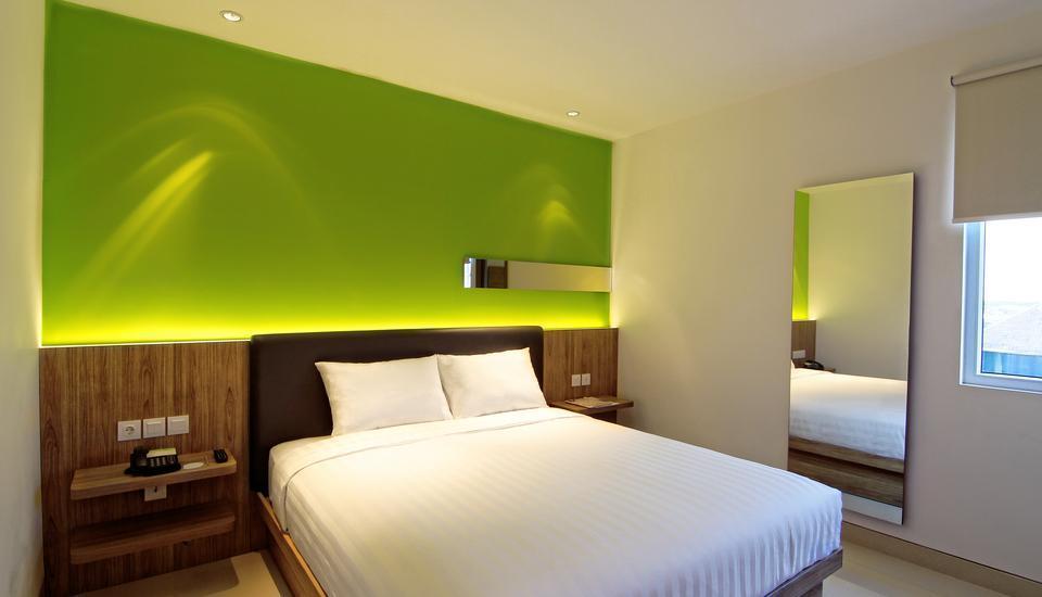 Zoom Hotel Jemursari Surabaya - Comfort King