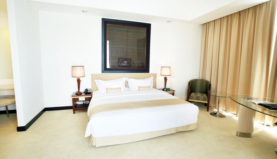Sintesa Peninsula Manado - Corner Suite - Non Refundable Regular Plan
