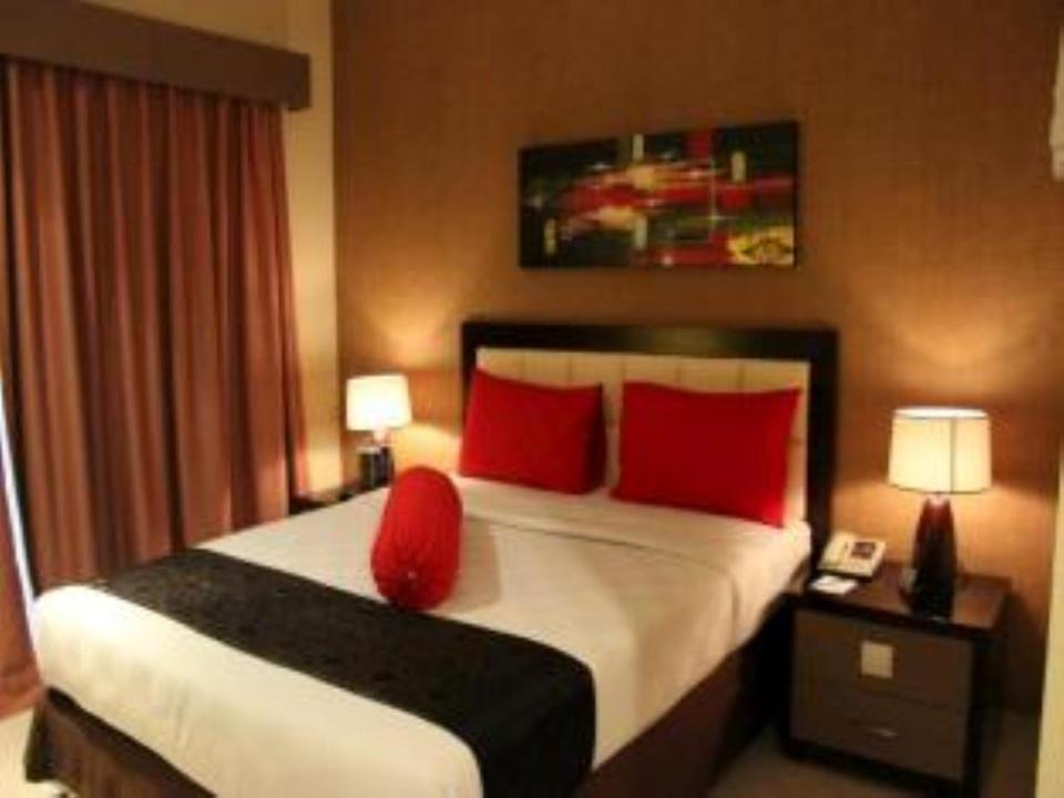 Hotel Scarlet Makassar - Superior Room Only Minimum stay 2 nights get 25% off!