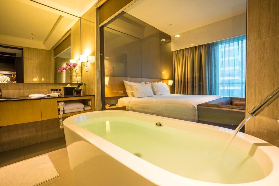 JS Luwansa Hotel Jakarta - Ambassador Club Weekday Promo