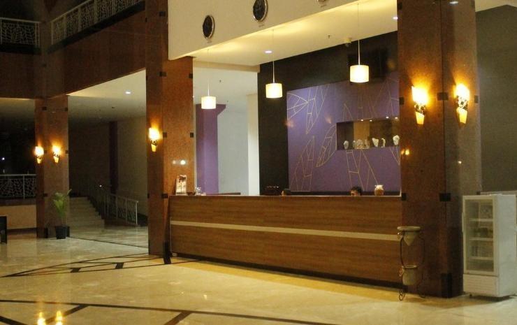 Kyriad Sadurengas Hotel Paser - Resepsionis
