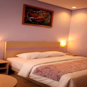 Kyriad Sadurengas Hotel Paser - Deluxe Room Only Hot Deal 50%