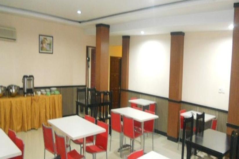 Hotel Parma Pekanbaru - Ruang Makan