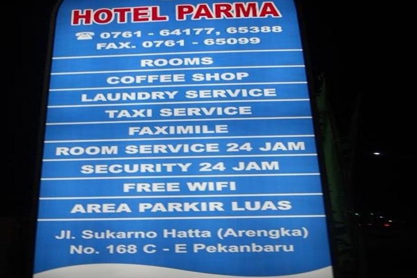 Hotel Parma Pekanbaru - Papan Nama