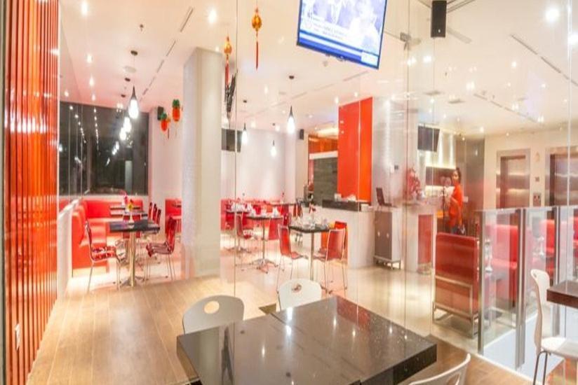 Redstar Hotel Jakarta - Interior