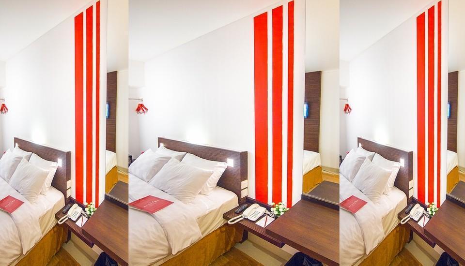 Redstar Hotel Jakarta - 4