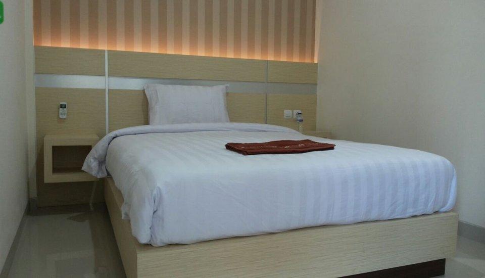 Saras Hotel Tuban - Guest room