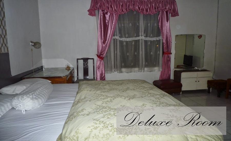Jonas Homestay Malang - Kamar Deluxe