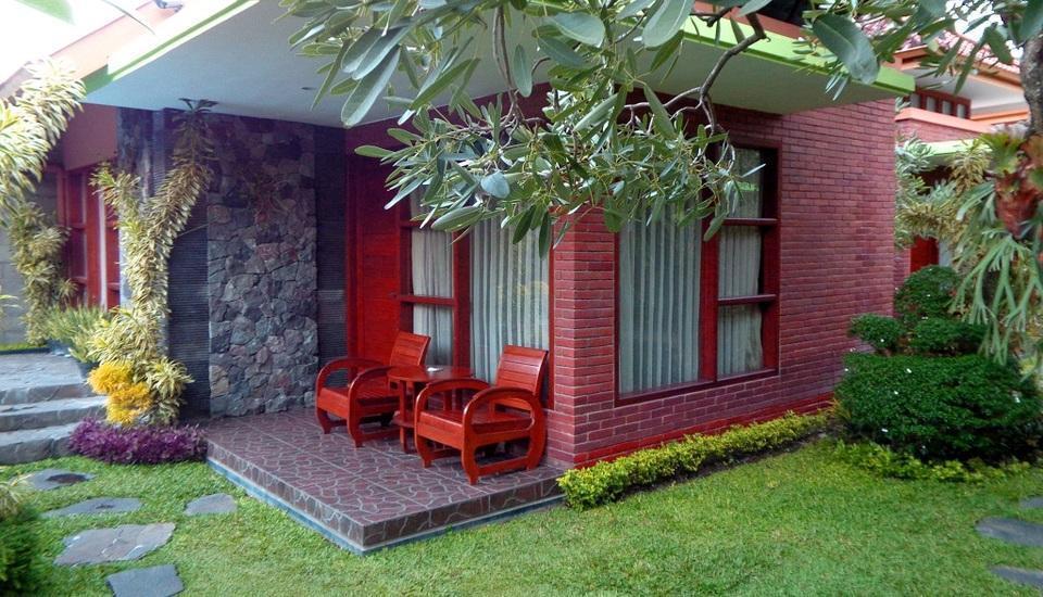 Rumput Hotel Yogyakarta - kamar kaliandra