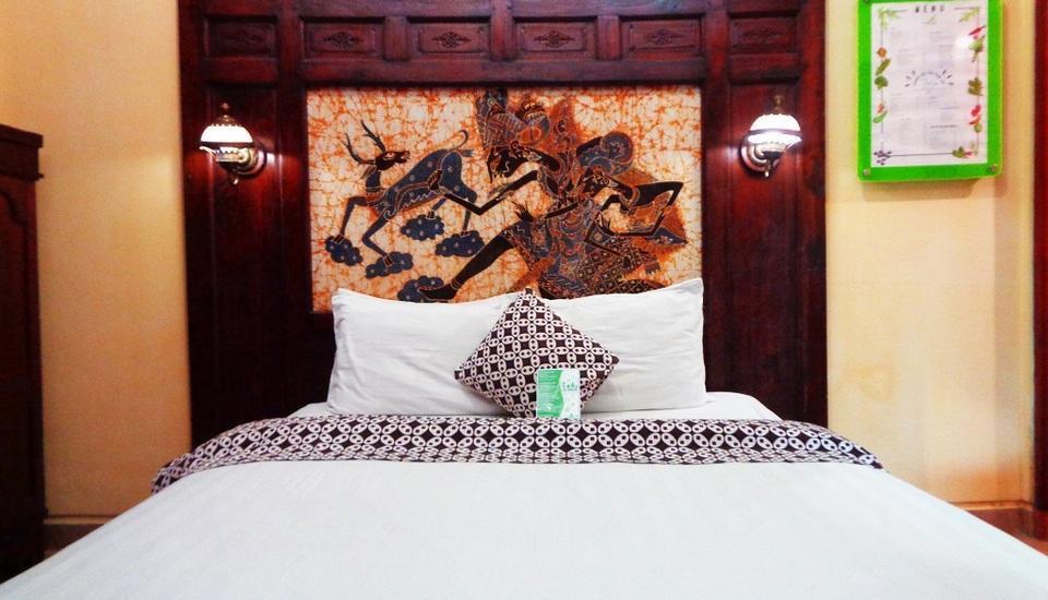 Rumput Hotel Yogyakarta - kamar manila