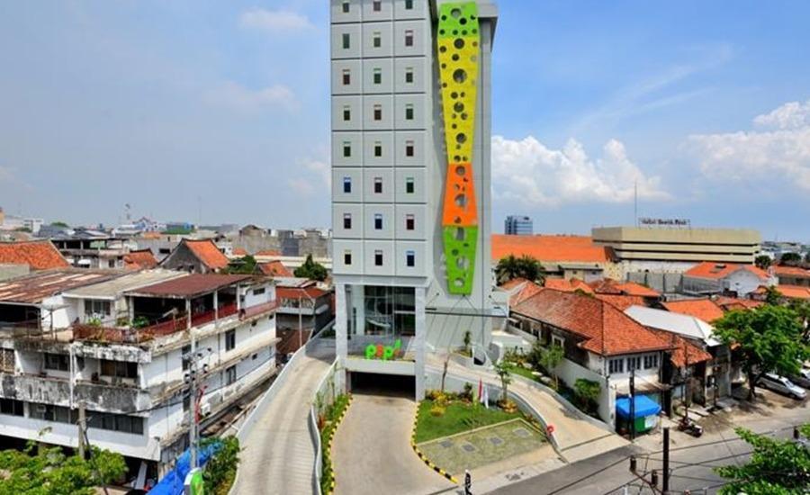 POP Hotel Stasiun Kota Surabaya - Eksterior