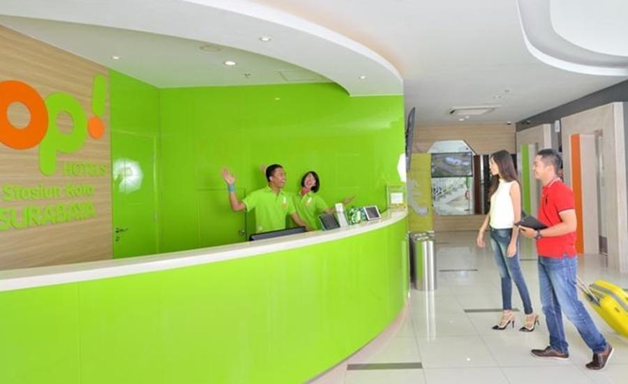 POP Hotel Stasiun Kota Surabaya - Loby