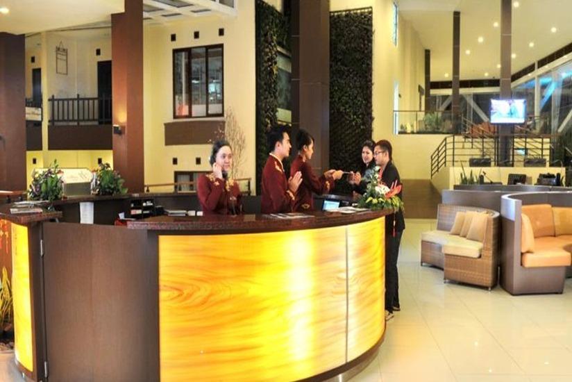 Palace Hotel Cipanas - Resepsionis