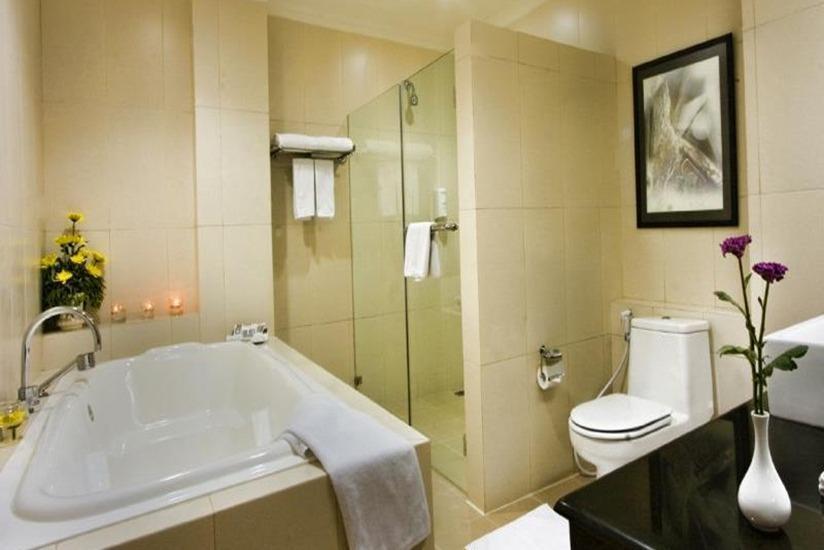 Palace Hotel Cipanas - Kamar mandi