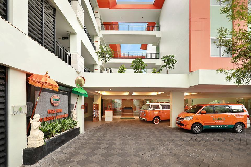HARRIS Hotel Kuta - Entrance