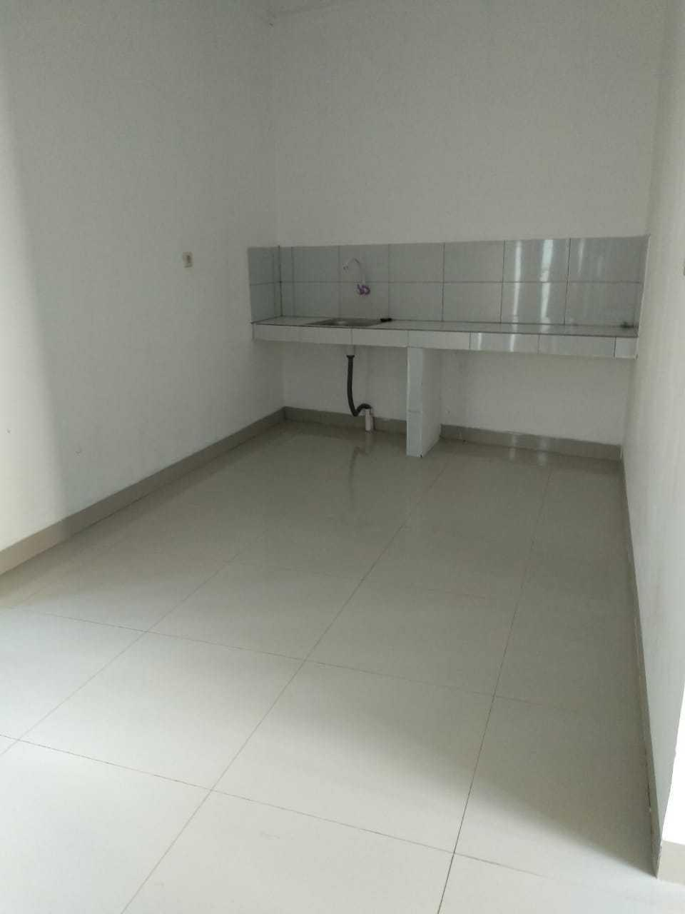 Algira Townhouse (Guest House) Bogor - Room Twin Non AC Regular Plan